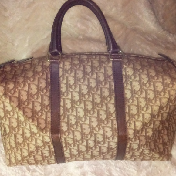 Christian Dior Large Boston Bag. M 5a8a35ab9cc7ef4f36014894 84ef75d533005